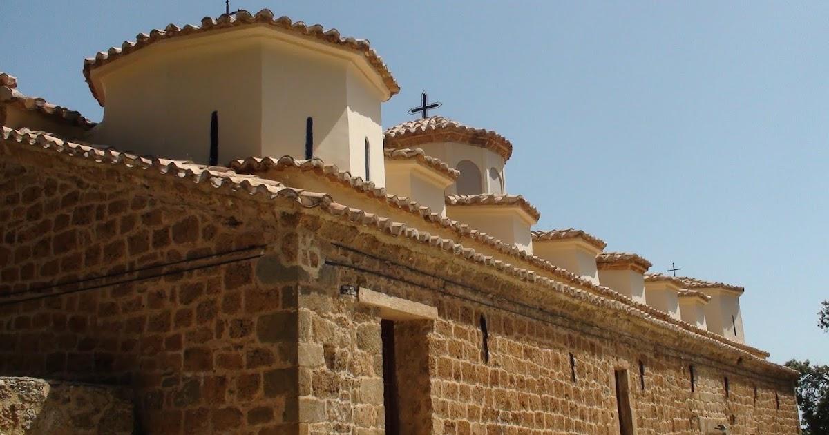 ΑΝΑΛΕΚΤΑ ΨΥΧΗΣ DAL FONDO DELL ANIMA: Άγιος Γεώργιος Ζάχολης – Ο ιστορικός  ναός με τους 17 τρούλους, στην ορεινή Κορινθία