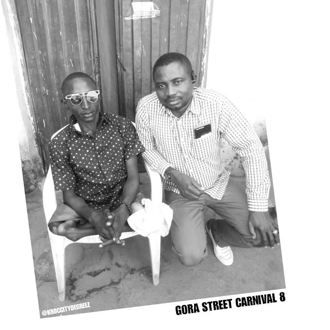 "Patron Mr. Adams Fulfills Financial Pledge he Made to Artist ""Gizo"" At Gora Carnival Season (8)"