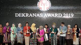 Setahun Pimpin Dekranasda, Hj Niken Raih Penghargaan Pembina Terbaik Se-Indonesia