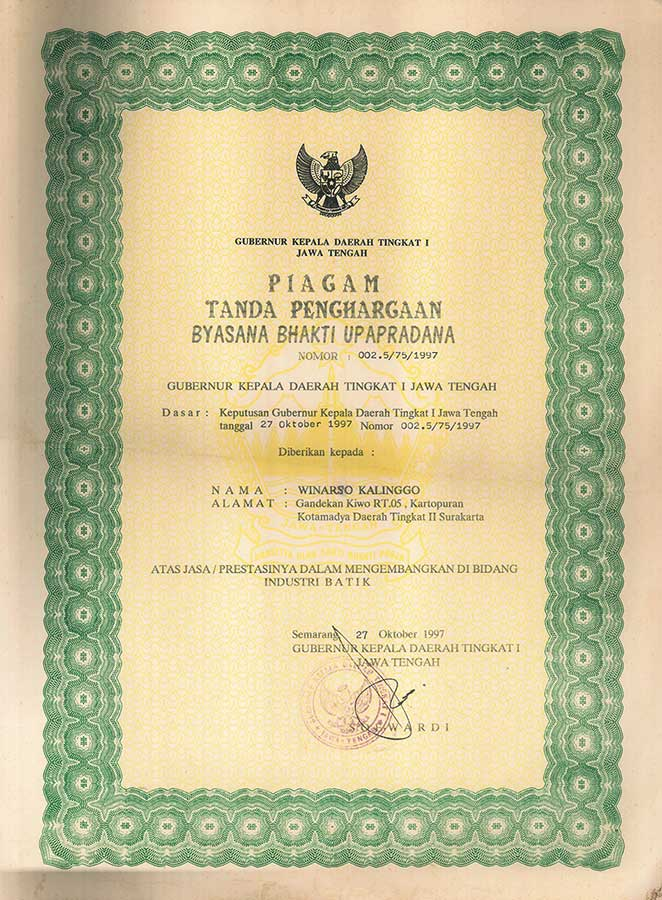 Uparkarti Pengrajin Di bidang Batik