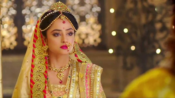 Actress Madirakshi Mundle as Seetha in Seethayanam serial on Asianet