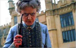"Angela Lansbury  ""La niñera mágica"""