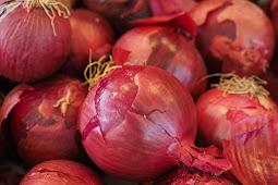 Letakkan Irisan Bawang Merah Di Telapak Kaki Dan Rasakan Manfaatnya Untuk Kesehatan