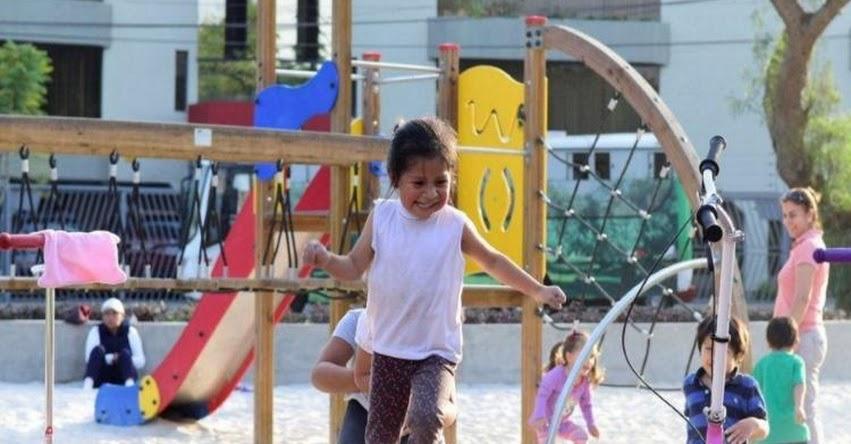 Inauguran moderno juegos infantiles en 16 parques del distrito de San Isidro