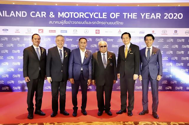 """""""All New YAMAHA NMAX 155"""" ผงาดคว้ารางวัลสุดยอดมอเตอร์ไซค์แห่งปี Motorcycle Of The Year 2020"""