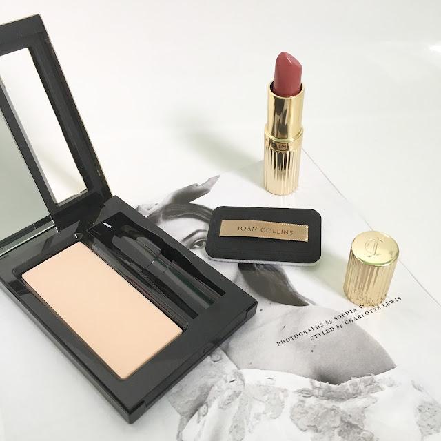 Joan-Collins-Timeless-Beauty-Handbag-Compact