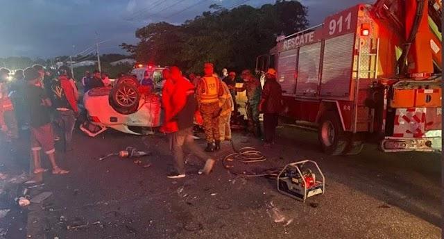 Fallecidos en accidente de tránsito de San Cristóbal salieron de Los Alcarrizos