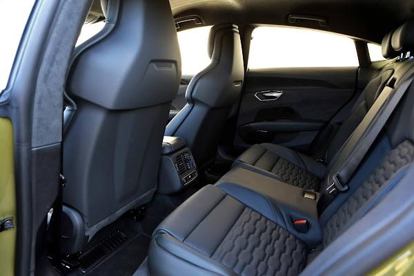 Audi RS e-tron GT, esportivo elétrico de R$ 950 mil - espaço traseiro