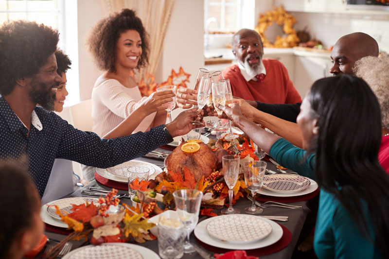 Things Polite People Don't Do on Thanksgiving