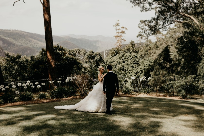 WHITE PARROT PHOTOGRAPHY AND FILM SCENIC RIM WEDDINGS GOLD COAST AUSTRALIAN DESIGNER