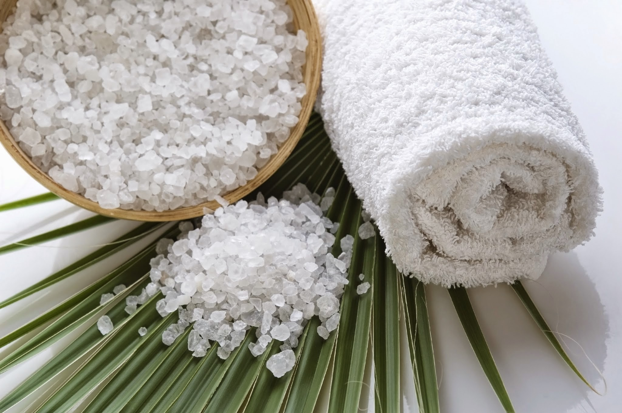 Inexpensive Ways to Pamper Mom on Mother's Day  via www.productreviewmom.com