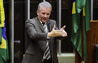 André Figueiredo, Alice Portugal e deputados da oposição apresentam projeto para sustar portaria do governo que prejudica bolsistas da CAPES