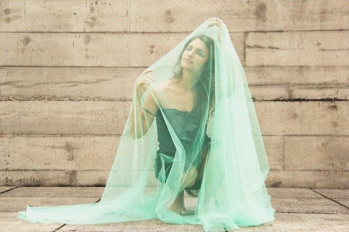 """Papisa mostra que é preciso seguir em frente com o single """"Roda"""""""