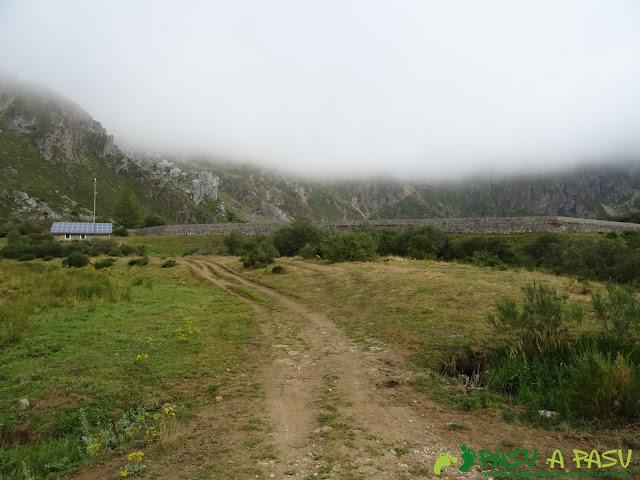Ruta del Valle del Lago: Muro del Lago del Valle