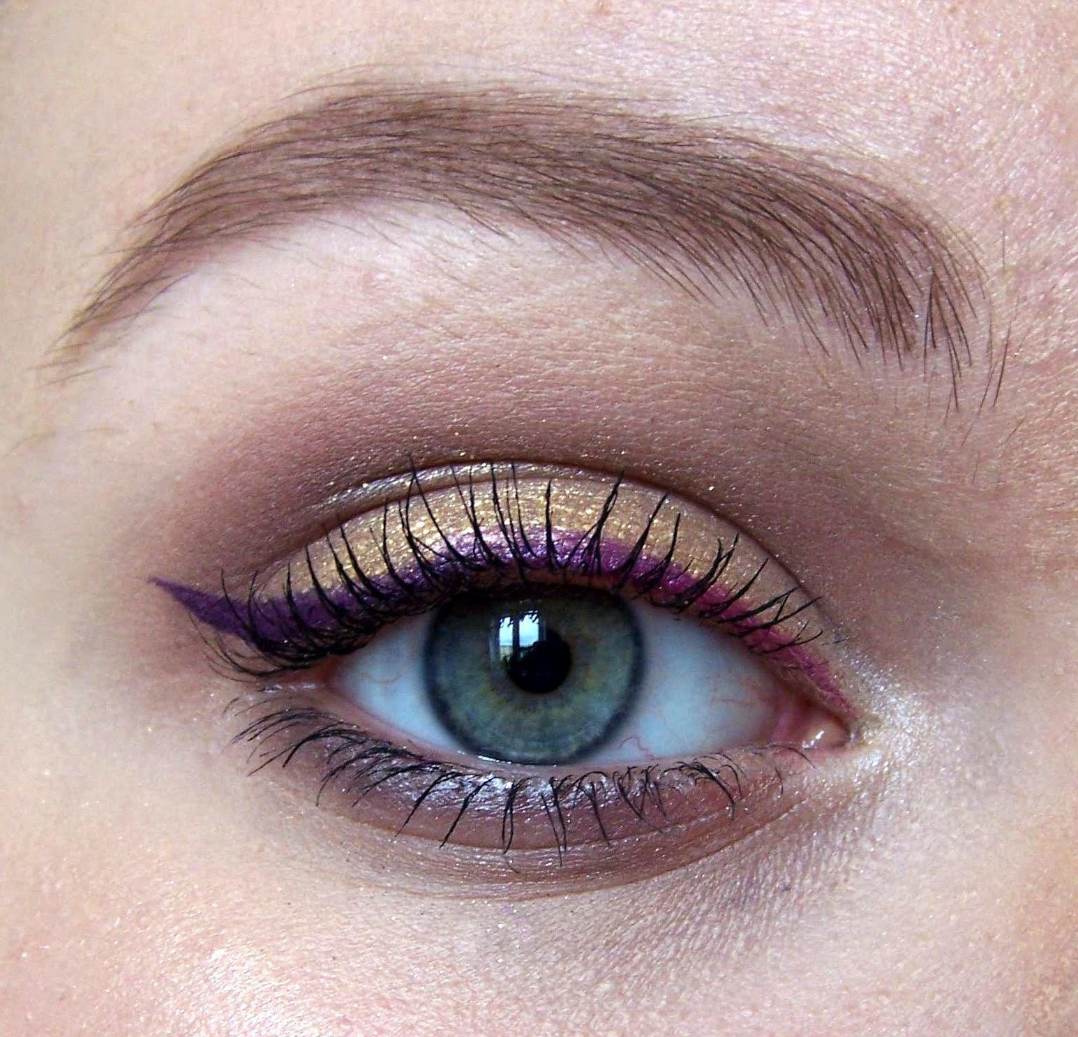 Wiosenny makijaż w odcieniach złota z kreską ombre