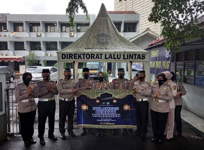 """Samsat Cikokol Gulirkan """"Polantas Berkah Ramadahan"""""""