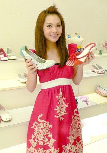 Mẹo chọn giày dép mùa hè