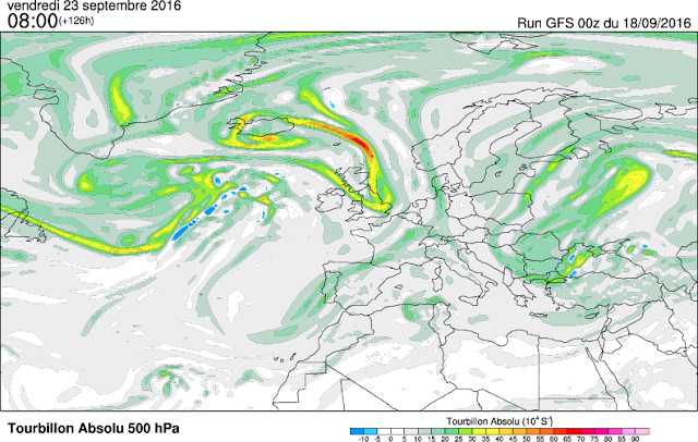 Intense activité cyclonique sur les îles britanniques qui vient saper l'anticyclone scandinave.