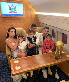 #Honored to received one more #time #Globe #Soccer #Award! A very #emotional #moment for me to share this #award with my #family ❤️🙏Grateful for all the #hospitality, see you soon #Dubai!😉 #cr7.