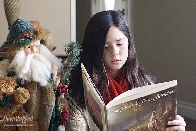 Christmas tradition | Christmas book list | Christmas books for families | Christmas book advent | Read books with your family for Christmas