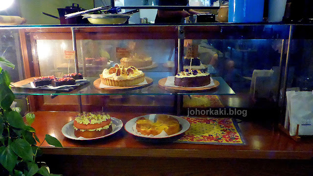 Cakes-Flowers-in-the-Window-Jalan-Dhoby-Johor-JB