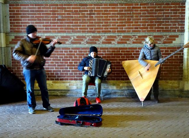 Street Musicians passage Rijksmuseum