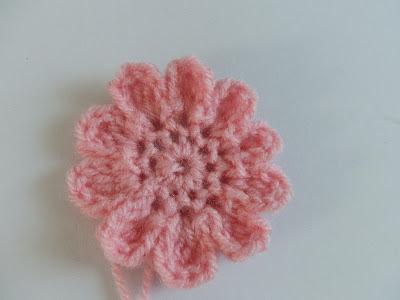 crochet baby hat with crochet flower free pattern