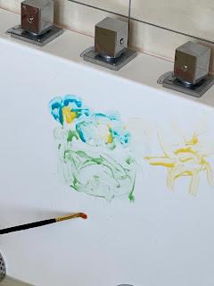 Dessin réalisé avec de la peinture pour le bain, DIY