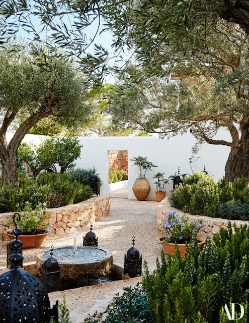 Ibiza luxurious couryard by Miranda Brooks - found on Hello Lovely Studio