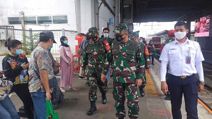Staf Ahli Kodam Jaya Cek Protokol Kesehatan Covid-19 di Stasiun Depok