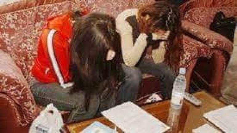 القبض على 4 فتيات ليل يستقطبن راغبي المتعة الحرام