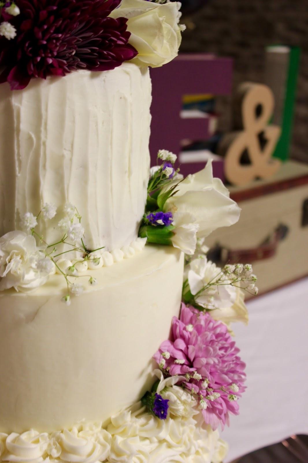 D.I.Y. Louisville: Vintage Library Wedding Reception