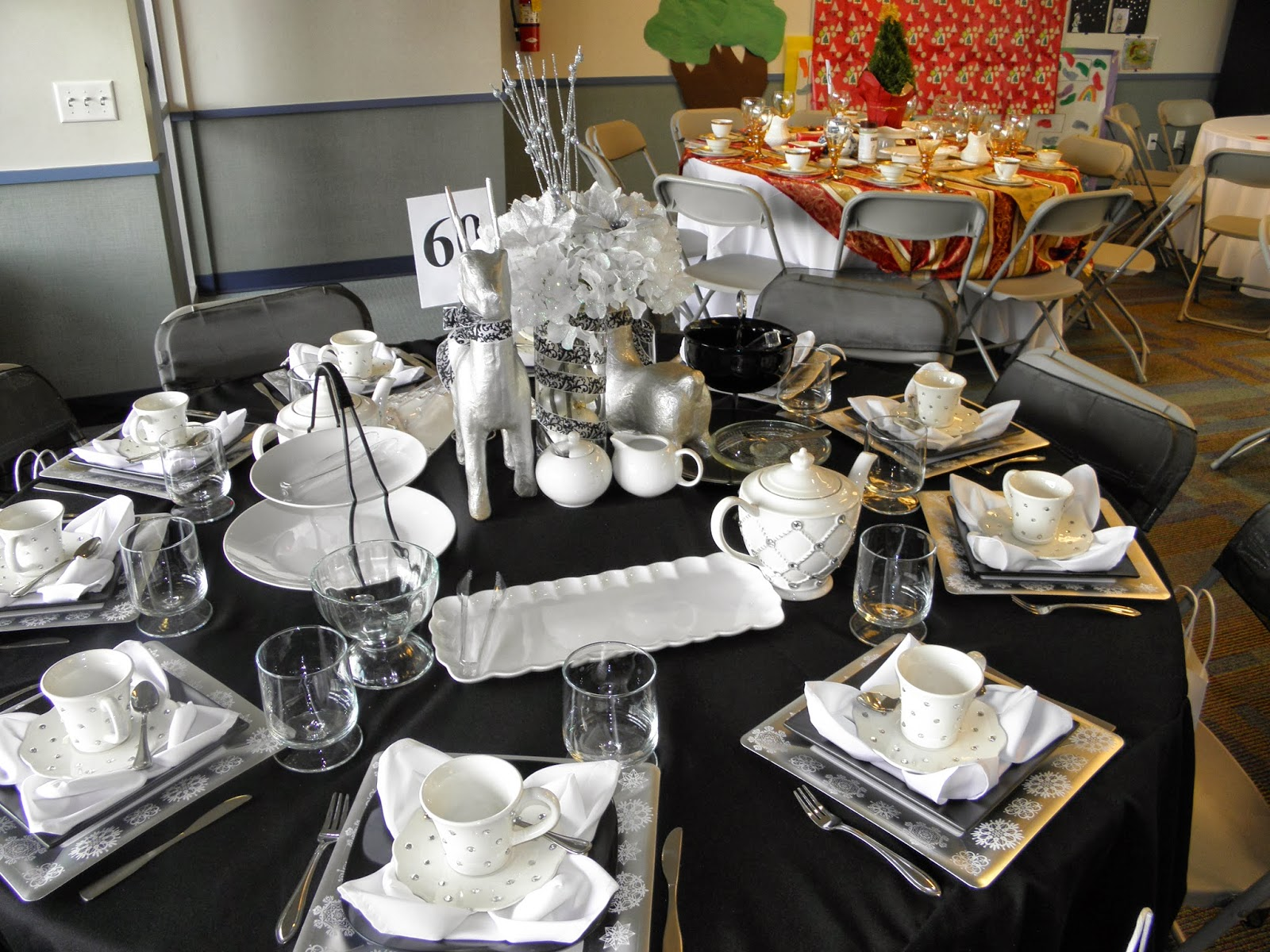 lollipops paper christmas table decorating christmas tea 2012. Black Bedroom Furniture Sets. Home Design Ideas