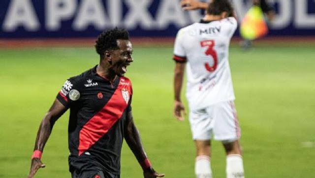 Diferente: Flamengo toma 3 do Atlético-GO e perde duas seguidas pela 1ª vez em 2 anos
