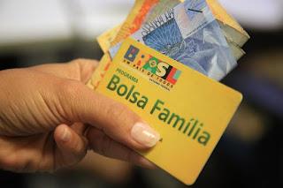 Resultado de imagem para Governo anuncia reajuste no Bolsa Família