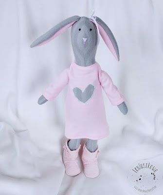 Różowa króliczka, różowa owieczka