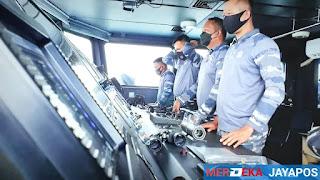 KRI Sidat- 851TNI AL Dan F-16 TNI AU Gelar Patroli Gabungan Di Perairan Ambalat