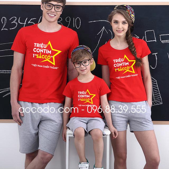 Áo phông cờ đỏ sao vàng cách điệu cho gia đình