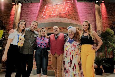 Natalia, Alê, Naiara, Tiago, Dona Carmem Virgínia e Gilda Bley (Crédito: Jimmy Trindade)