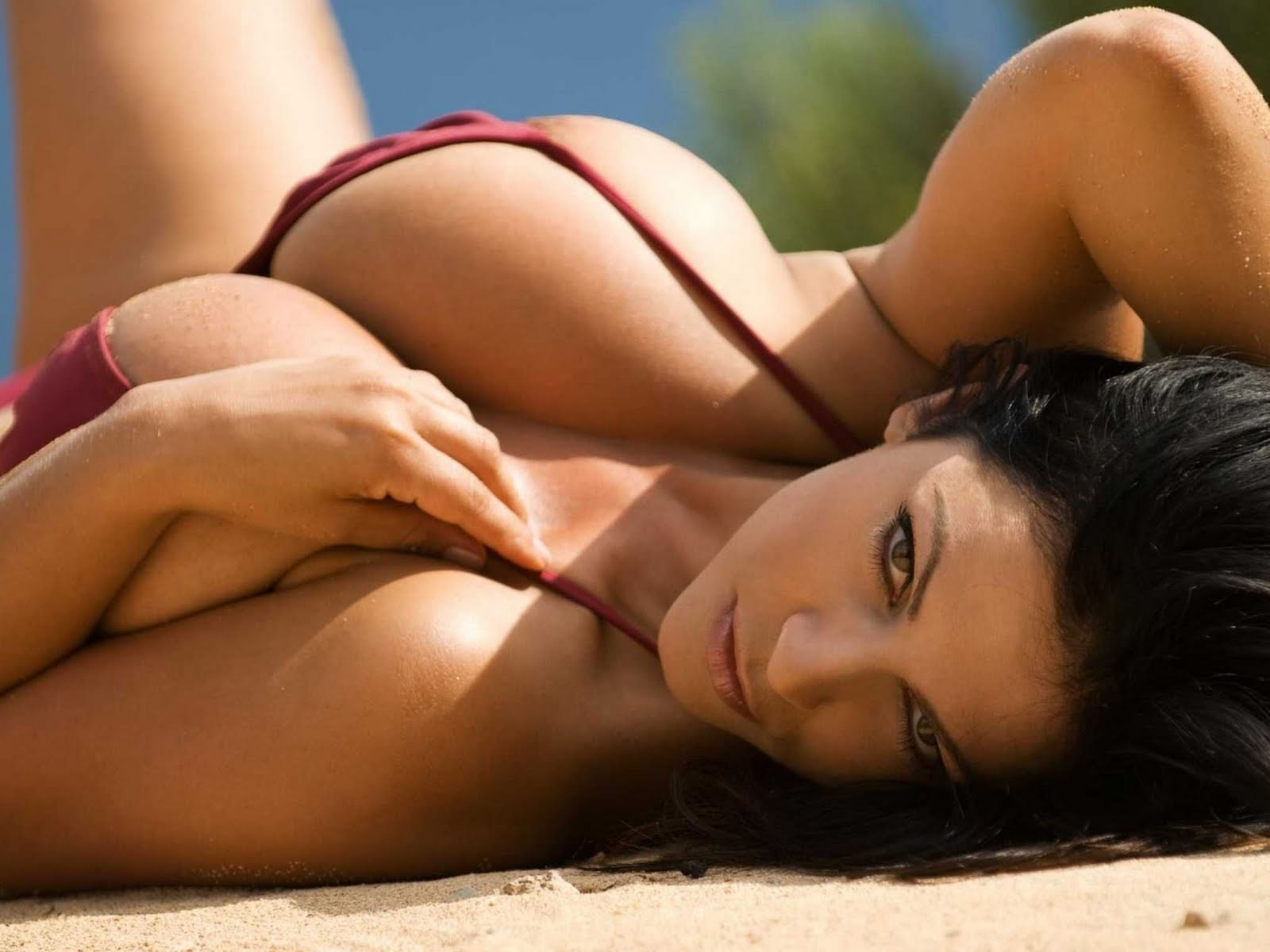 Face Wallpapers Denise Milani Wallpapers-9497