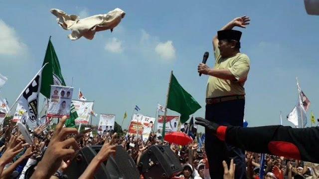 Pengamat: Prabowo jadi Pembantu Jokowi Turunkan Citra Gerindra di Sumbar