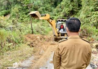 Wakil Bupati Humbahas Tinjau Lokasi Longsor di Simataniari Kecamatan Parlilitan