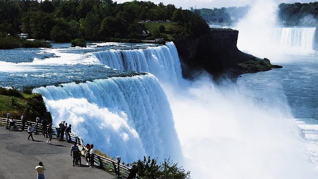 10-The-Niagara-Falls