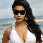 Shriya Saran hot hd wallpapers