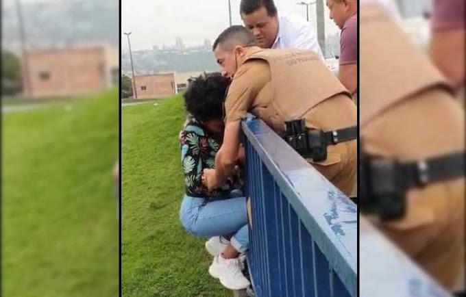 PM salva a vida de mulher que tentava se jogar de viaduto em Ponta Grossa (Assista)