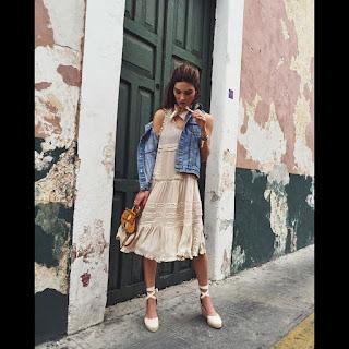 http://www.madamefigaro.gr/moda/fashion-news/101462/auta-einai-ta-papoutsia-pou-tha-foreseis-fetos-to-kalokairi#&gid=1&pid=2