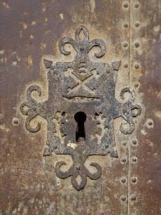 iglesia ,San Bartolomé, plaza ,Beceite ,Beseit, cerrojo, llave