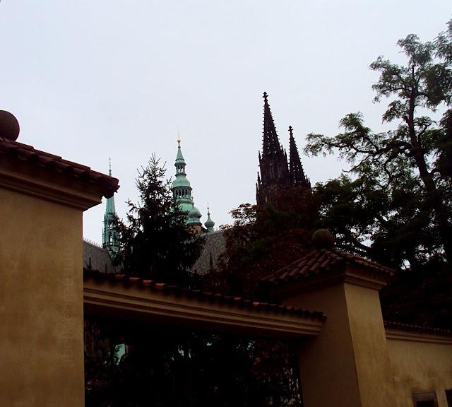 castelo de praga - a bella e o mundo - travel blog