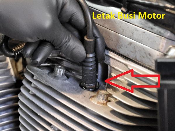 cara mengganti busi sepeda motor yang benar Cara Mengganti Busi Motor yang Benar Dijamin Nyala!