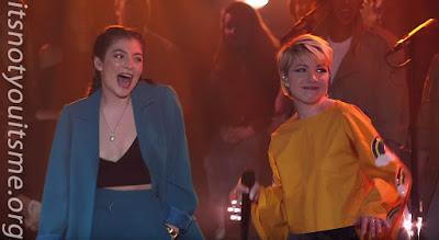 Lorde & Carly Rae Jepsen Backup Galore